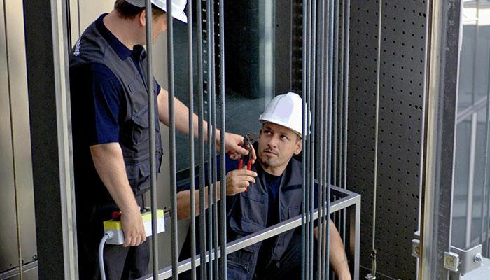 سرویس ونگهداری شش ماهه آسانسور
